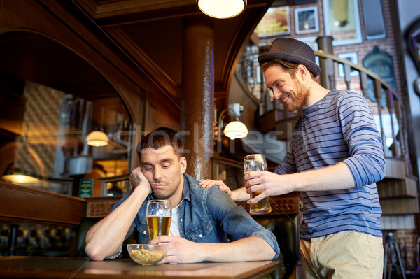 человека пива пьяный друга Бар Паб Сток-фото © dolgachov
