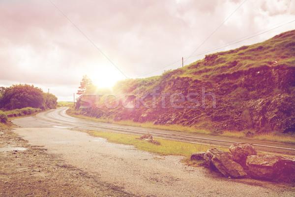 Aszfalt út Írország utazás vidék hegy Stock fotó © dolgachov
