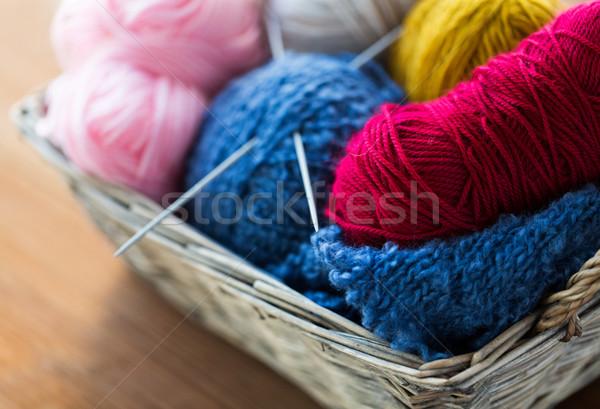 Cesta agujas hilados costura Foto stock © dolgachov
