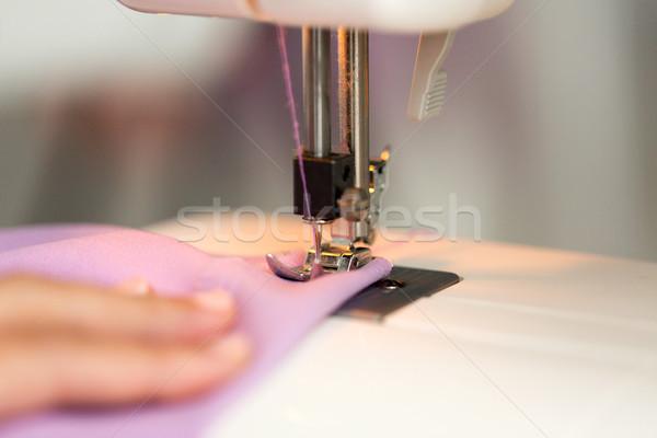 Maszyny do szycia stóp tkaniny robótki moda Zdjęcia stock © dolgachov