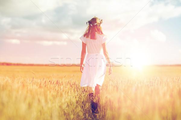 Feliz flor corona cereales campo Foto stock © dolgachov