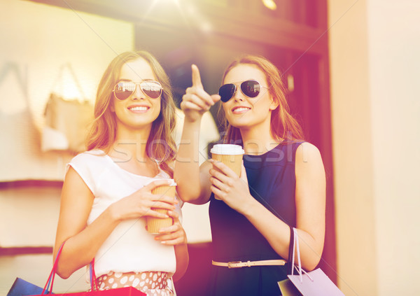 Stock fotó: Fiatal · nők · bevásárlótáskák · kávéház · vásár · fogyasztói · társadalom · emberek