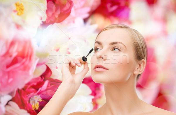 Mooie vrouw mascara cosmetica gezondheid schoonheid gezicht Stockfoto © dolgachov