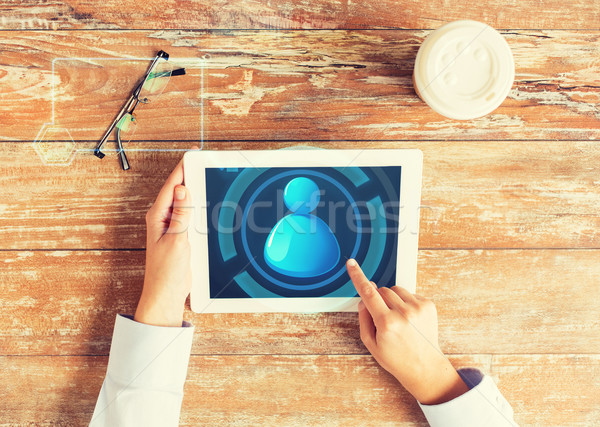 Közelkép kezek felhasználó ikon táblagép üzletemberek Stock fotó © dolgachov