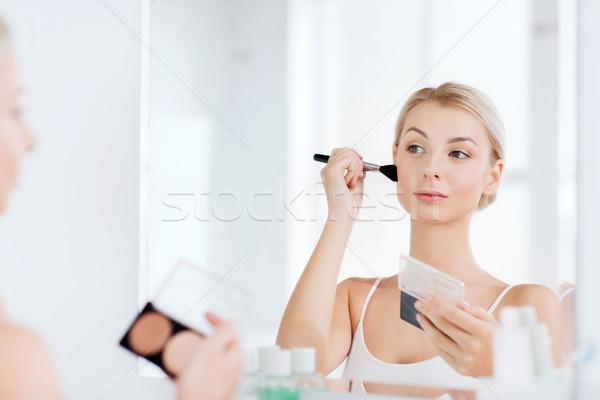 Nő sminkecset alap fürdőszoba szépség smink Stock fotó © dolgachov