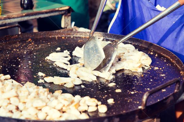 Stock fotó: Közelkép · szakács · hús · utca · piac · főzés