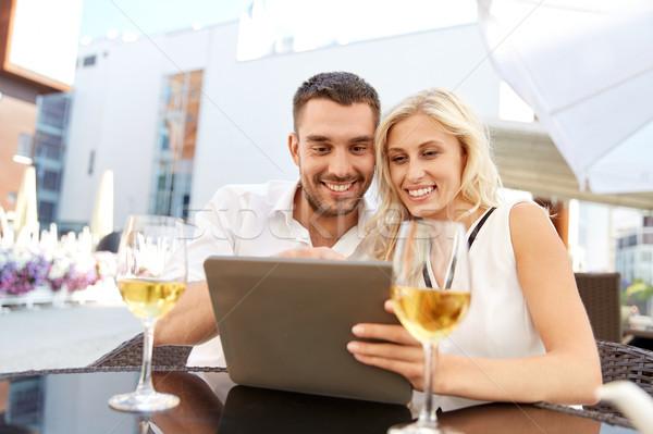 Feliz casal restaurante terraço amor Foto stock © dolgachov