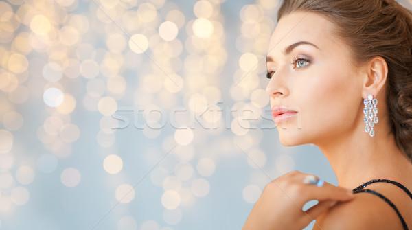 女性 ダイヤモンド イヤリング 人 休日 ストックフォト © dolgachov