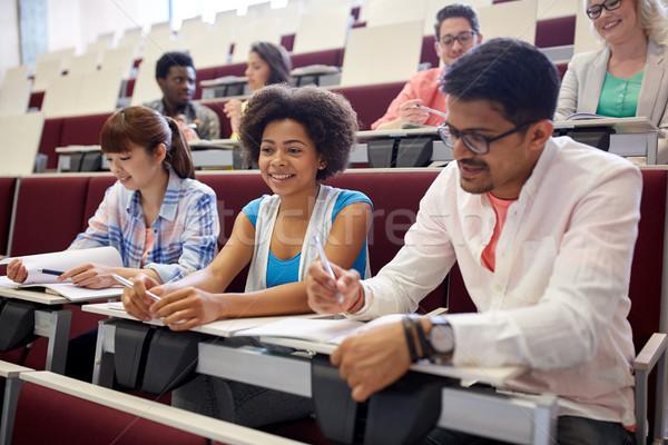Gruppe Studenten Notebooks Vortrag Halle Bildung Stock foto © dolgachov