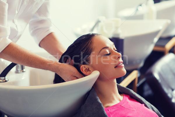 Boldog fiatal nő fodrászat szépség emberek fodrász Stock fotó © dolgachov