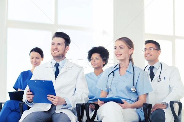 Foto stock: Grupo · feliz · médicos · seminario · hospital · profesión