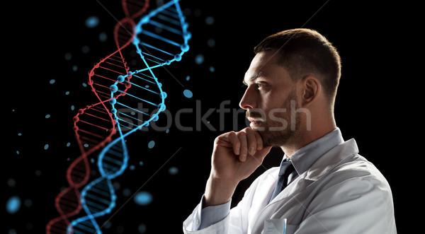 врач ученого глядя ДНК генетика науки Сток-фото © dolgachov