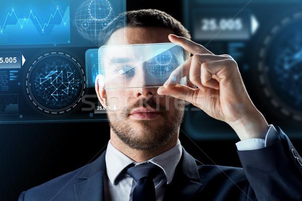 üzletember okostelefon virtuális üzlet valóság jövő Stock fotó © dolgachov