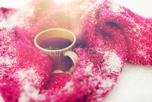 Herbaty kawy zimą szalik śniegu Zdjęcia stock © dolgachov