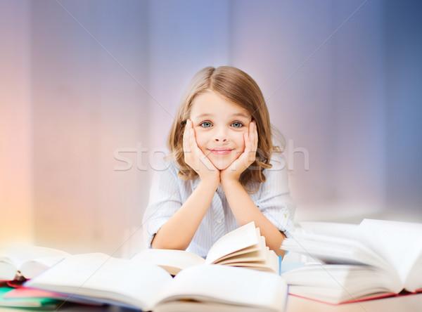 Student meisje lezing boek onderwijs mensen Stockfoto © dolgachov
