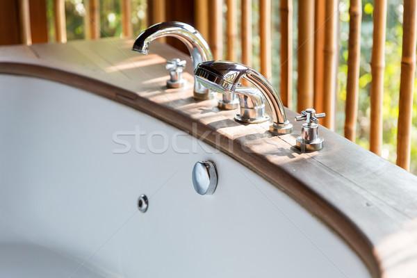 Bañera exótico Asia hotel sanitario Foto stock © dolgachov