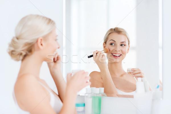 Nő sminkecset por fürdőszoba szépség smink Stock fotó © dolgachov