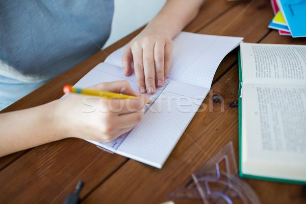 Mains souverain crayon dessin école Photo stock © dolgachov
