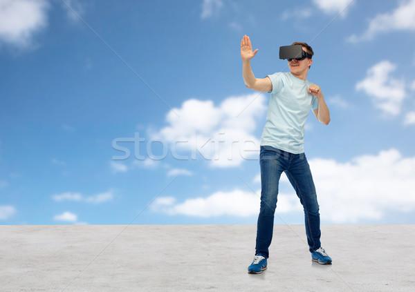 Homem virtual realidade fone óculos 3d 3D Foto stock © dolgachov
