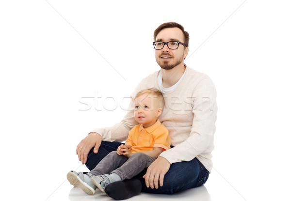 Heureux père peu fils séance ensemble Photo stock © dolgachov