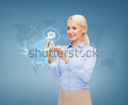 Gelukkig zwangere vrouw aanraken groot buik zwangerschap Stockfoto © dolgachov