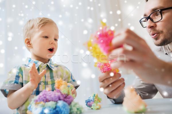 Сток-фото: отцом · сына · играет · мяча · глина · домой · семьи