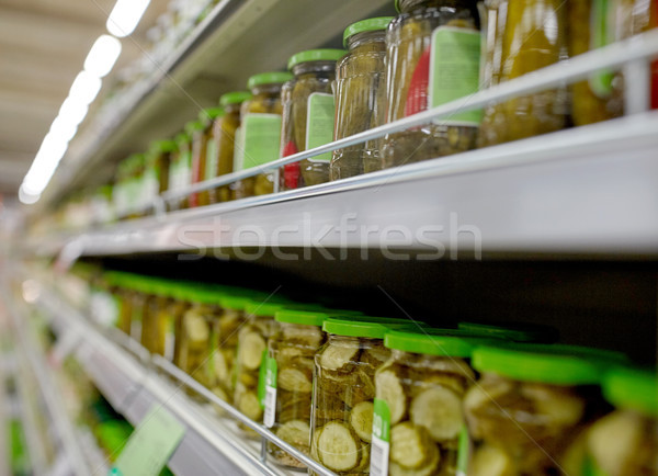 Salatalık turşusu bakkal süpermarket raflar satış alışveriş Stok fotoğraf © dolgachov