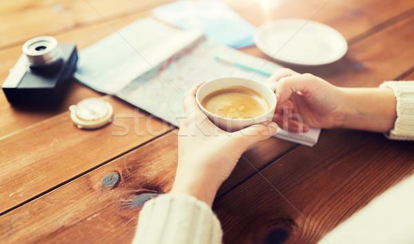 Stockfoto: Handen · koffiekopje · reizen · vakantie · toerisme
