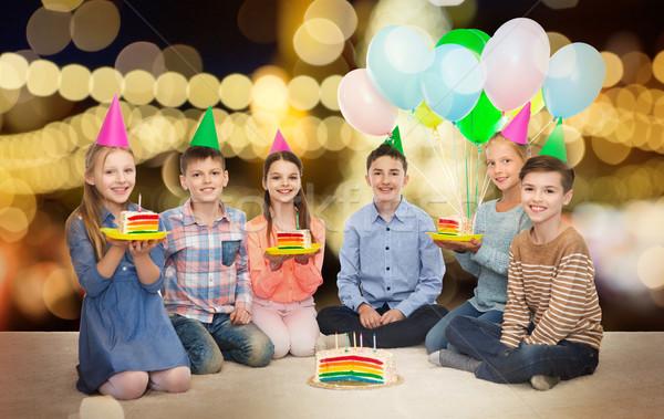 Mutlu çocuklar parti doğum günü pastası çocukluk Stok fotoğraf © dolgachov