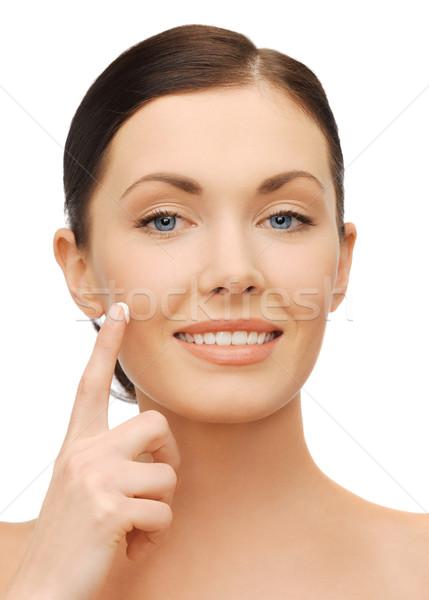 Gyönyörű nő hidratáló csepp kép nő arc Stock fotó © dolgachov