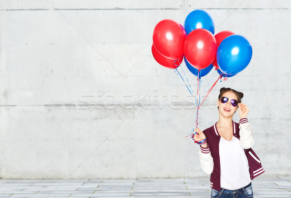 Gelukkig tienermeisje helium ballonnen mensen tieners Stockfoto © dolgachov