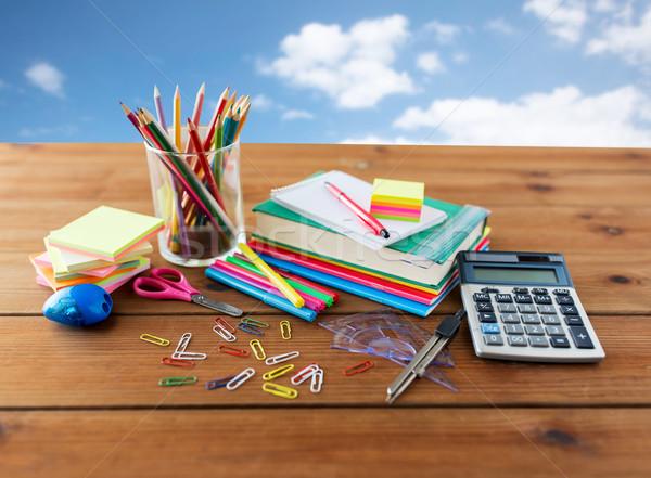 Materiały biurowe przybory szkolne tabeli edukacji sztuki Zdjęcia stock © dolgachov