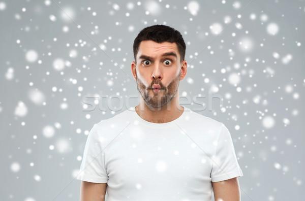 Man sneeuw leuk winter christmas mensen Stockfoto © dolgachov