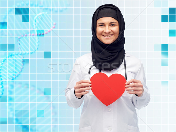 Moslim vrouwelijke arts hijab Rood Stockfoto © dolgachov