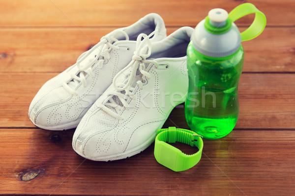 Bracciale bottiglia d'acqua sport fitness Foto d'archivio © dolgachov
