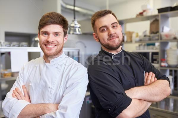 Boldog mosolyog szakács szakács étterem konyha Stock fotó © dolgachov