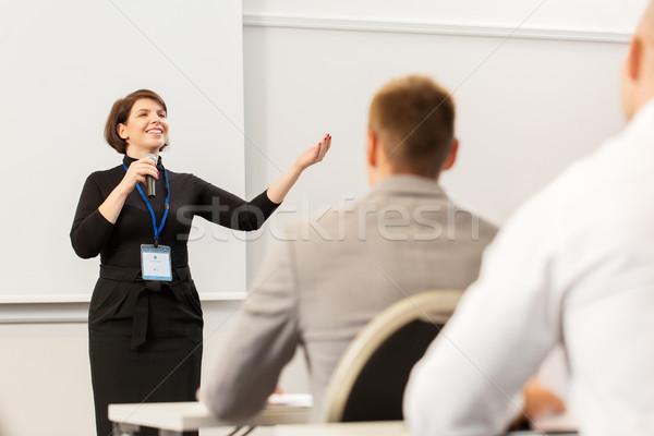 Grupy ludzi działalności konferencji wykład edukacji ludzi Zdjęcia stock © dolgachov