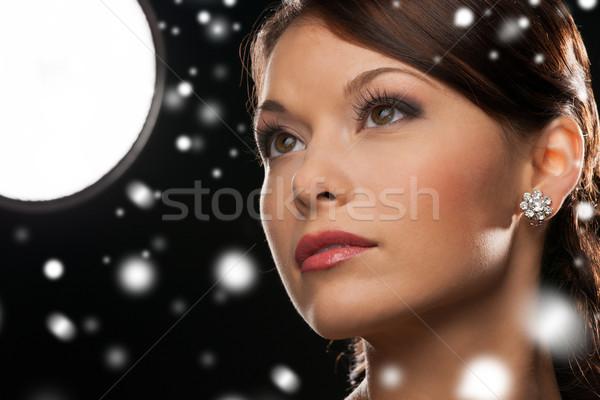 女性 イブニングドレス 着用 ダイヤモンド イヤリング 高級 ストックフォト © dolgachov