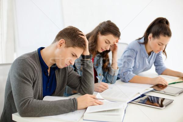 Öğrenciler okul eğitim grup Stok fotoğraf © dolgachov