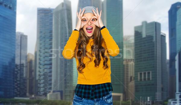 Mutlu genç kadın genç şehir insanlar Stok fotoğraf © dolgachov