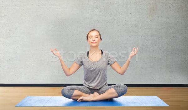 Foto stock: Mujer · yoga · meditación · loto · plantean