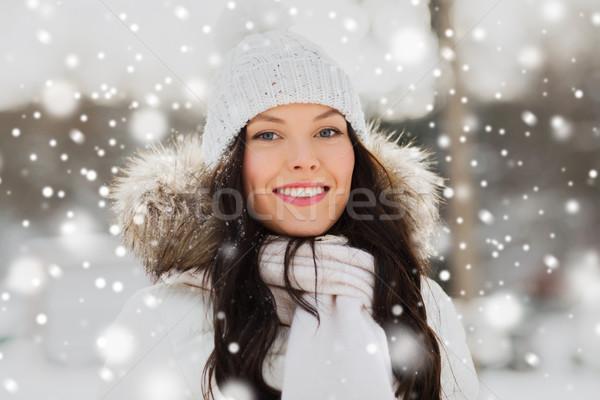 Szczęśliwy kobieta odkryty zimą ubrania ludzi Zdjęcia stock © dolgachov