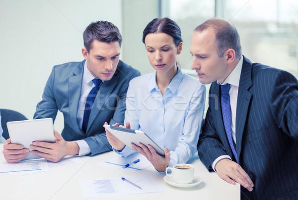 Сток-фото: бизнес-команды · обсуждение · бизнеса · технологий · служба