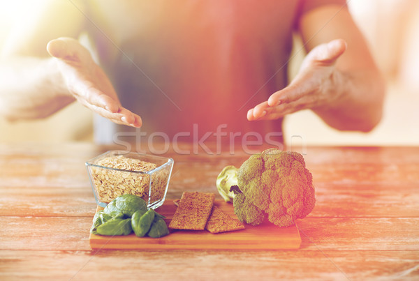 Masculino mãos comida rico Foto stock © dolgachov