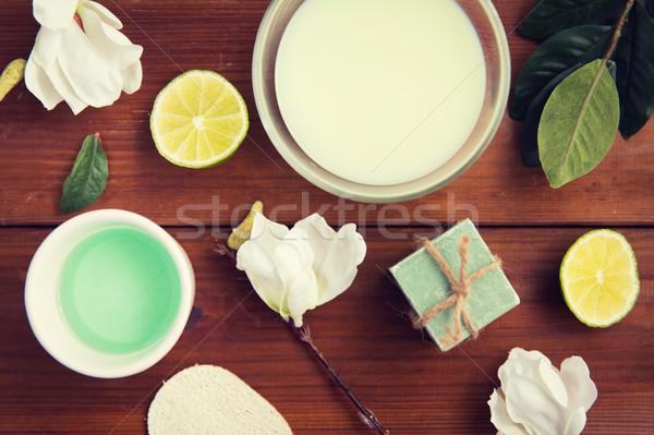 Lichaam lotion room zeep hout Stockfoto © dolgachov