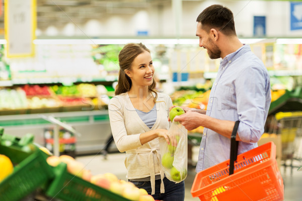 Stock fotó: Boldog · pár · vásárol · almák · élelmiszerbolt · vásárlás
