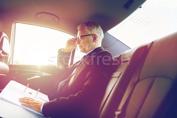 Stockfoto: Senior · zakenman · papieren · rijden · auto · vervoer