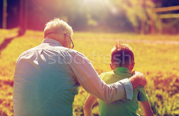 祖父 孫 屋外 家族 世代 ストックフォト © dolgachov