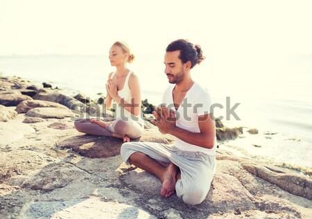 Stok fotoğraf: Gülen · çift · yoga · açık · havada · uygunluk