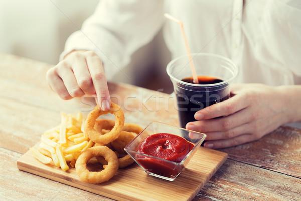 Mulher lanches cola fast-food pessoas Foto stock © dolgachov